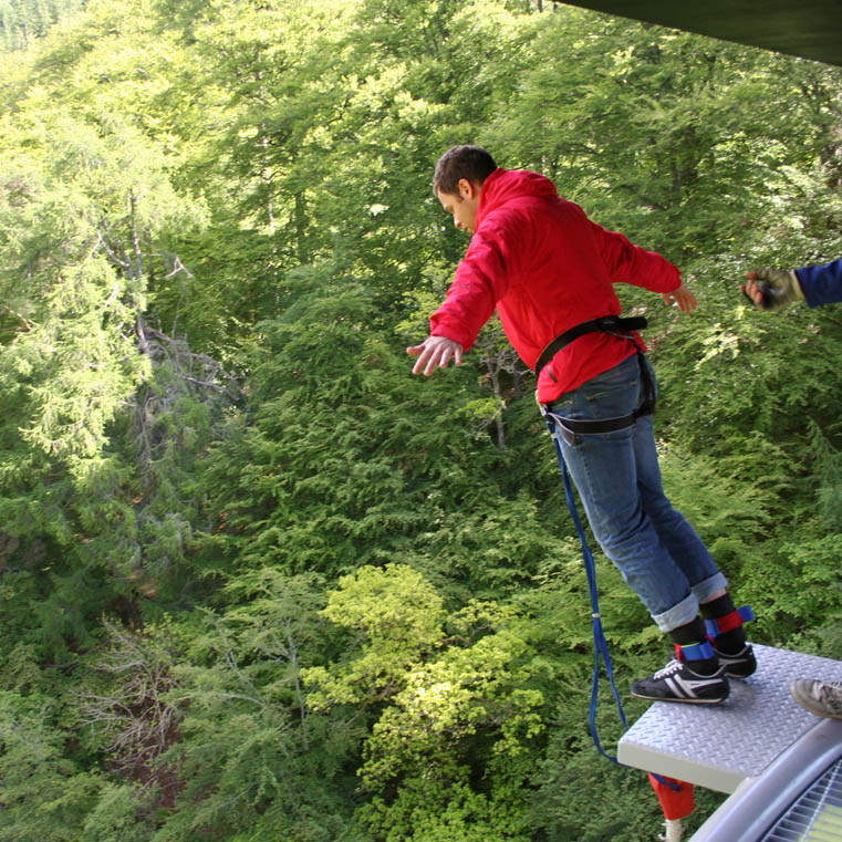 Bungee Jumping on Hyera
